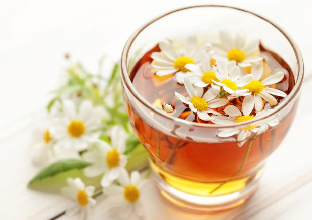 Chamomile tea with florets