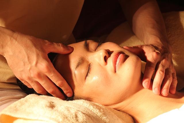 essentials oils in massage therapy
